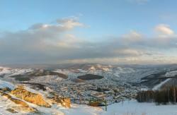Закат освещает вершину Тугаи. Камни, которых больше нет. Фото Александра Демьянова